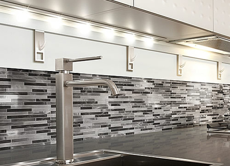 Luxury-design-kitchen-with-stylish-mosai-tiles